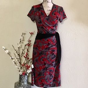EUC DRESS BARN Beautiful Figure Flattering Dress